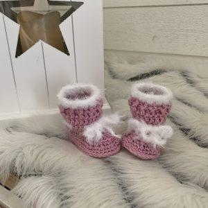 Virkade babyskor vinterboots/rosa och vita