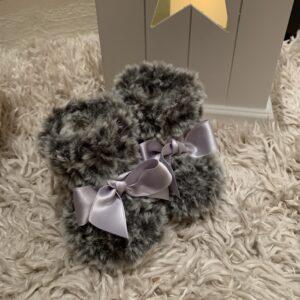Virkade babyuggs grå