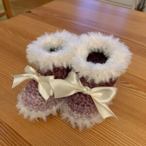 Virkade babyuggs lila/vita